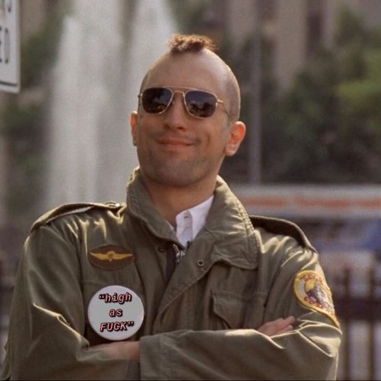 Damn never noticed that, but he does look high as FUCK #youtalkintome #taxidriver #martinscorsese…