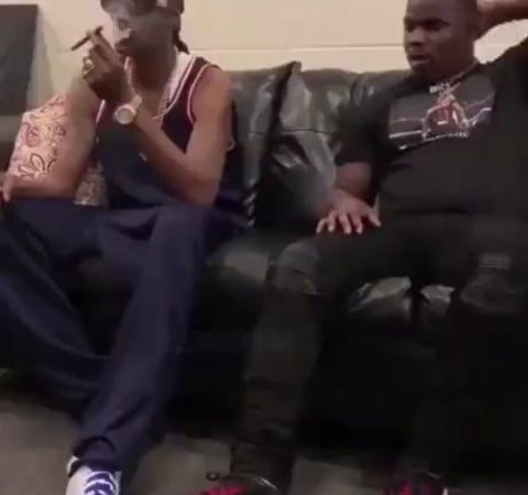 what it looks like when anyone smokes with a memeber of #snoopdogg #blunt #smoke…